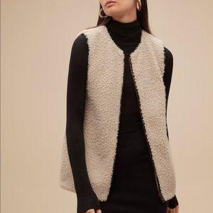 Aritzia Wilfred chatou Sherpa vest cream plush xs
